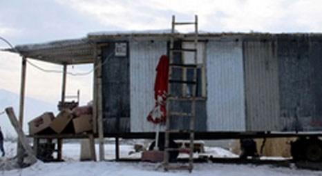 Ömer Memcik, Iğdır'da 2 odalı seyyar ev yaptı!