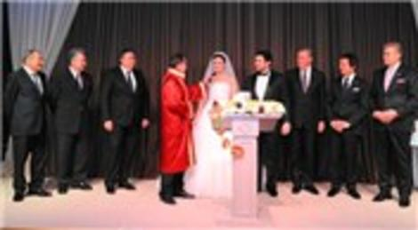 Form Yapı İnşaat'ın mutlu günü! Tolga Kaplan ile Pelin Karakaş, Çırağan Sarayı'nda evlendi!
