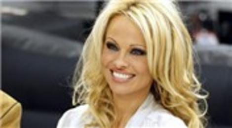 Pamela Anderson, Malibu'daki evini 7.75 milyon dolara satışa çıkardı!