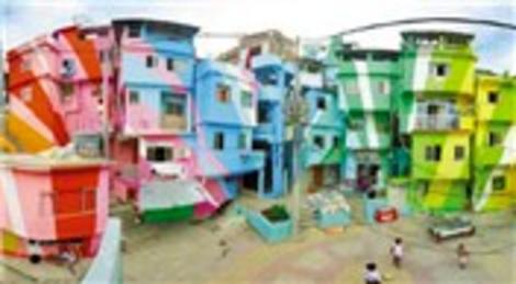 Hollandalı iki sanatçı gecekondu mahallelerini renklendiriyor!