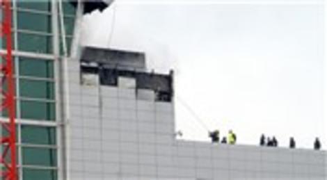 Adnan Menderes Havalimanı Dış Hatlar Terminali'nde yangın çıktı!