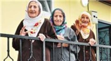 Ordulu üçüz nineler Emine Erdoğan'ın desteğiyle yaptırılan evlerine kavuştu!