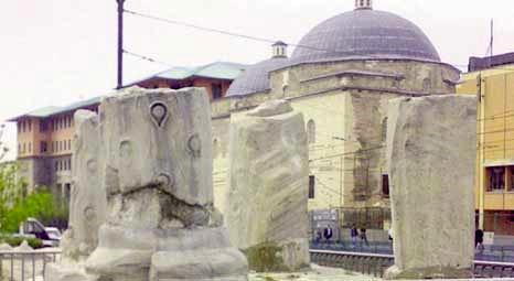 Theodosius Zafer Takı'nın altından çıkan tuğlalı mimari yapı betonla örtüldü!