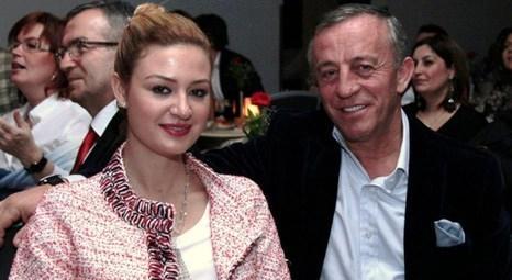 Ali Ağaoğlu ve Petek Ertüre, Günay Restaurant'ta sahneye çıkan Muazzez Ersoy'u izledi!