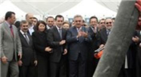 Gümrük ve Ticaret Bakanı Hayati Yazıcı, Yunus Emre Halk Çarşısı temel atma törenine katıldı!