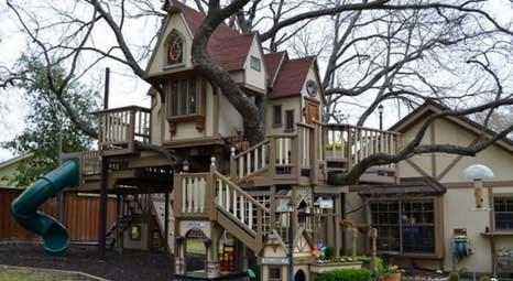 Wakefield Ailesi, Dallas'taki evlerinin arka bahçesine torunları için ağaç ev yaptırdı!