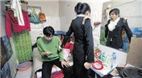 Pekin'de sadece 1 milyon kişi yer altındaki barınaklarda yaşıyor!
