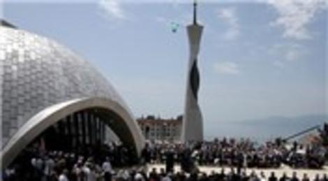 Hırvatistan Riyeka'daki cami ve islam merkezi ibadete açıldı!