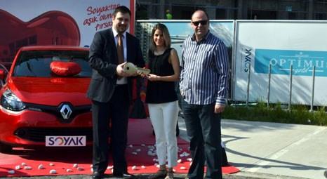 Soyak Optimus'tan ev alan Renault Clio sahibi oldu!