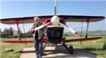 Akrobasi pilotu Murat Öztürk, Redline ile göklere havalandı!