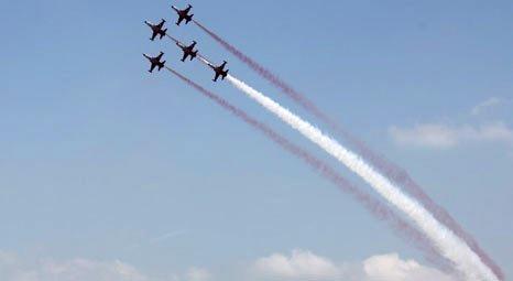 Red Line, Solo Türk ve Türk Yıldızları ile muhteşem bir gösteriye imza attı!