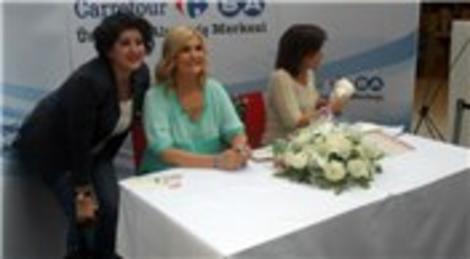 CarrefourSA Ümraniye AVM Anneler Günü'nde Derya Baykal'ı ağırladı!