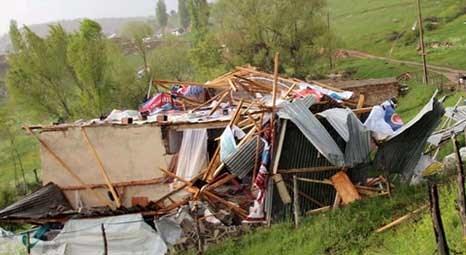 Bayburt'ta etkili olan hortum sonucu 13 evde hasar oluştu!