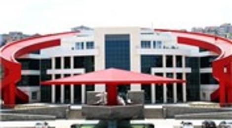Samsun Canik Belediyesi'nin Türk Bayrağı şeklindeki binası hizmete açıldı!