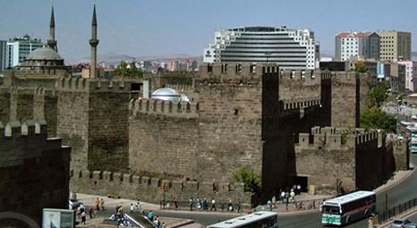 Kayseri'deki 2 bin yıllık kale kültür ve sanat merkezi oluyor!