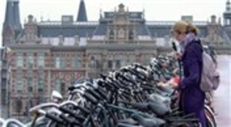 Amsterdam, dünyanın en iyi bisiklet şehri seçildi!