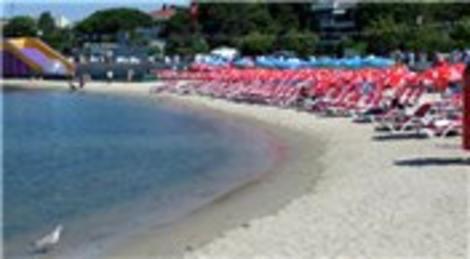 İstanbullular Caddebostan, Menekşe ve Güneş Plajları'nda serinliyor!