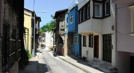 Bursa Büyükşehir Belediyesi Yahşibey Caddesi'nde evlerin dış cephesini düzenliyor!