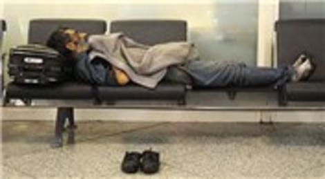 İranlı Ahmad Ganjjou 2 aydır Atatürk Havalimanı'nda yatıp kalkıyor!
