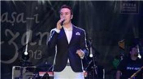 Mustafa Ceceli, Bursa Merinos Parkı'nda konser verdi!