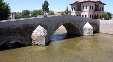 Aksaray'da Sulçuklular'dan kalan 800 yıllık köprüler restore edildi!