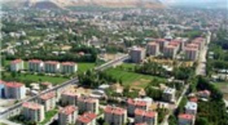 TOKİ Bitlis Adilcevaz'da 302 konut, 129 dükkan, cami ve spor alanları yaptıracak!