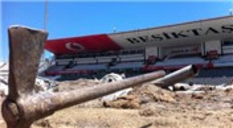 Beşiktaş İnönü Stadyumu'nda yıkım çalışmaları durduruldu!