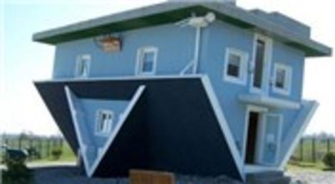 Rusya'nın Krasnodar inşa edilen ev ters mimarisiyle dikkat çekiyor!