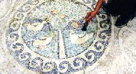 Amasya'nın Yavru Köyü'nde 2 bin 300 yıllık elma mozaiği bulundu!