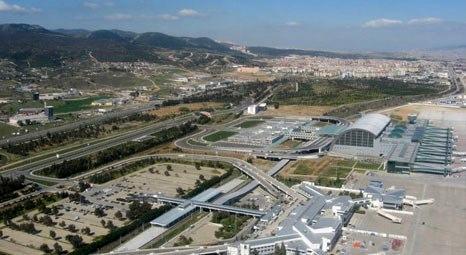 Binali Yıldırım Adnan Menderes Havalimanı İç Hatlar Terminali inşaatını kontrol etti!