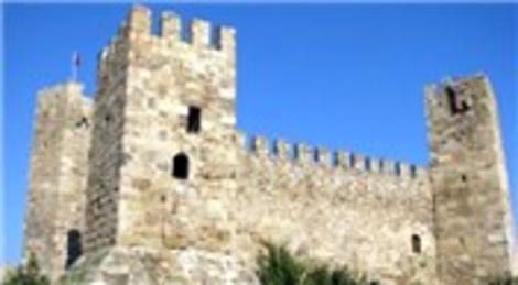İzmir Foça Kalesi UNESCO Dünya Mirası Geçici Listesi'ne alındı!