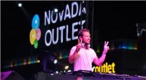 Novada Outlet Söke AVM'de Ozan Doğulu on binlerce hayranını coşturdu!