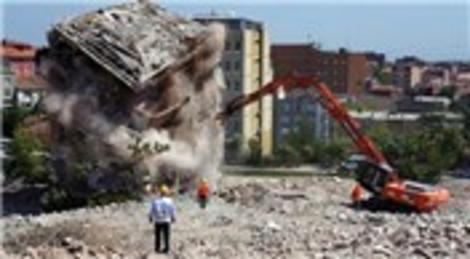 Riskli alan ilan edilen binalarda yarım milyon kişi yaşıyor!