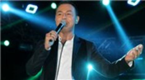Serdar Ortaç, Mambo Beach Club'ta konser verdi!