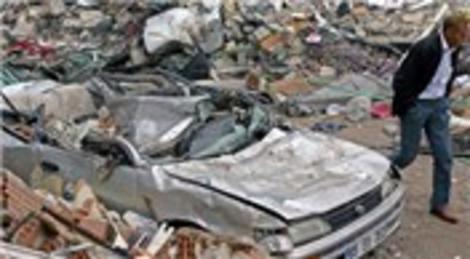 Van depreminde yıkılan binaların altından gizi kiliselerin kalıntısı çıktı!