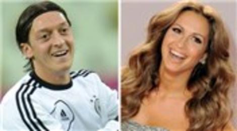 Mandy Capristo ve Mesut Özil, Londra'da ev arıyor!