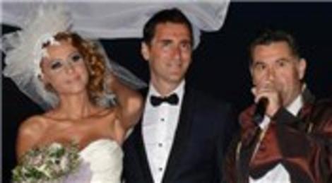 Bekir Aksoy ile Derya Çavuşoğlu, Bodrum Flaam'da evlendi