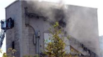 Beşiktaş İnönü Stadı'nın yıkımı sırasında yangın çıktı!
