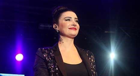 Sıla, Harbiye Açıkhava Sahnesi'nde konser verdi!