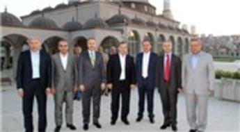 Necmi Kadıoğlu Esenyurt'un prestij projelerini misafir belediye başkanlarına gösterdi!