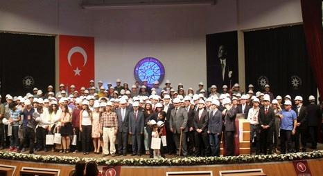 STFA İnşaat Yıldız Teknik Üniversitesi İnşaat Mühendisliği öğrencilerine baret hediye etti!