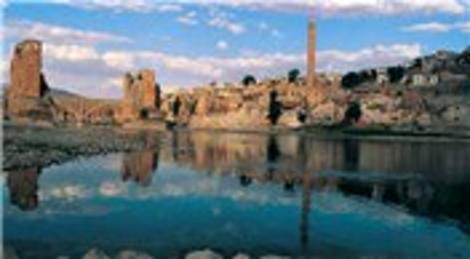 Siirt'te düzenlenen 2. Uluslararası Ilısu Barajı Arkeoloji Sempozyumu başladı!