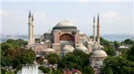 Mustafa Akgül: Ayasofya, cami olarak açılmalı