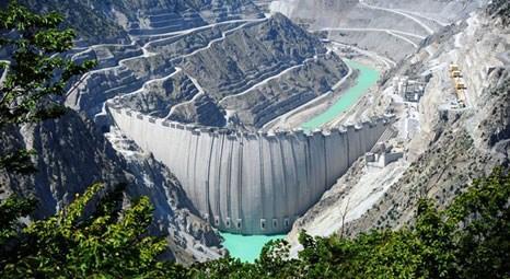 Türkiye'nin en yüksek barajından ülke ekonomisine katkı