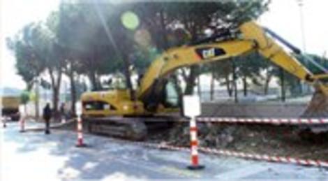Kartal Belediyesi, ağaçları kesmeden yolları genişletiyor