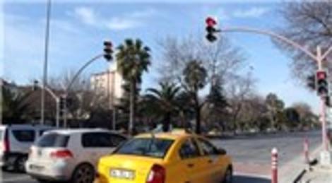 İstanbul Büyükşehir Belediyesi akıllı trafik lambaları ile kördüğümü çözecek