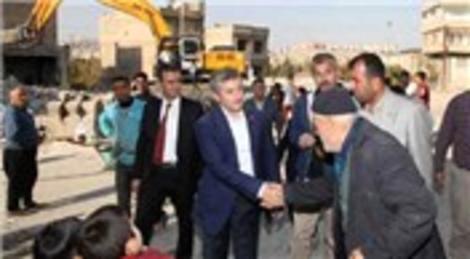 Mehmet Tahmazoğlu kentsel dönüşüm için kendi elleriyle yıktı
