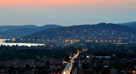 Seyir Terası'nda doyumsuz Sapanca manzarası