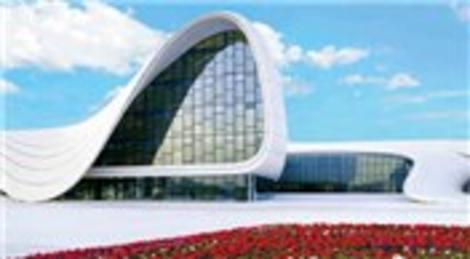 Azerbaycan'daki Haydar Aliyev Merkezi'nin tasarımında Zaha Hadid imzası