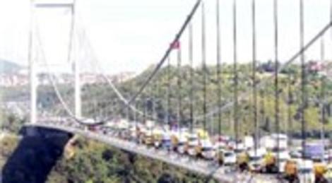 Mustafa Ilıcalı: Ağır taşıtlar asma köprülerin ömrünü azaltıyor
